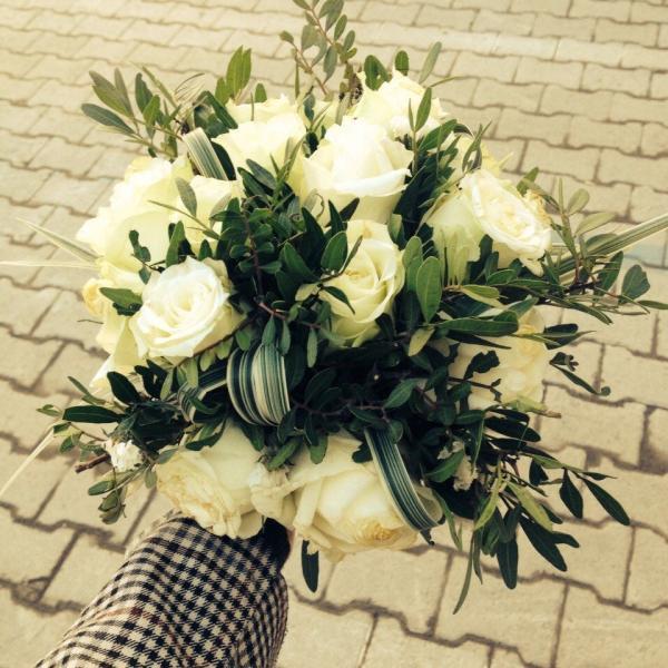 Фото букета сделано  уже после свадьбы - а с ним по-прежнему  все в порядке))